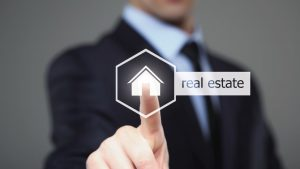 Digital signage boosts real estate customer experience